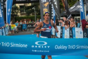 Eva Serena (333 Triathlon) è la più veloce all'Oakley TriO Sirmione 2018 (Foto ©Marco Bardella)