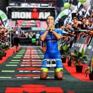 """Giulio Molinari al traguardo dell'Ironman Copenaghen, che gli """"consegna"""" la slot per l'Ironman World Championship 2018, in programma a Kona - Hawaii sabato 13 ottobre"""