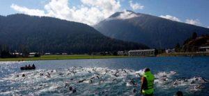 La frazione di nuoto del Challenge Davos si è disputata nel lago che bagna la cittadina svizzera con la temperatura dell'acqua a 15 gradi