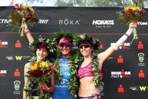 Il podio femminile dell'Ironman Italy-Emilia Romagna: l'ungherese Gabriella Zelinka (2^), la tedesca Daniela Saemmler (1^) e l'austriaca Bianca Steurer (3^) - Foto ©Bryn Lennon/Getty Images for IRONMAN)