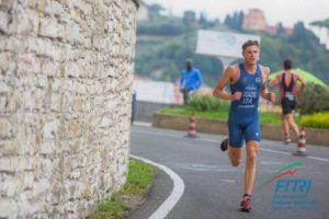Marcello Ugazio è stato il più veloce anche nella frazione di corsa dei Campionati Italiani di triathlon olimpico 2018 (Foto ©FiTri / Tiziano Ballabio)