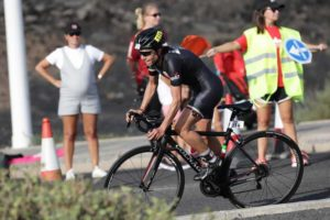 "L'italiana Age Group Monica Bonfanti è 8^ assoluta e 1^ di categoria all'Ironman 70.3 Lanzarote 2018. Grazie alla ""pole"" si qualifica per i Mondiali Ironman 70.3 di Nizza 2019 (Foto ©VeloPlus)"
