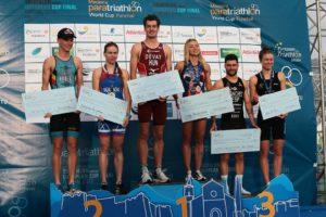 Il podio femminile e maschile dell'ETU Triathlon European Cup 2018.