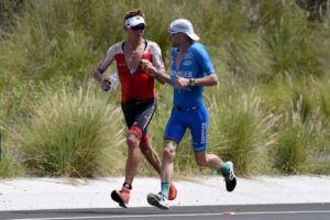 """Il """"dai e vai"""" tra l'australiano Cameron Wurf e il tedesco Patrick Lange, vincitore dell'Ironman Hawaii World Championship 2018 con un tempo di 7:52:39"""