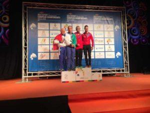 Alberto Ceriani e la sua guida Claudio Pellegri salgono sul secondo gradino del podio all'Europeo di triathlon medio 2018.