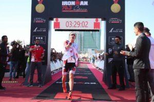 Il norvegese Kristian Blummelfelt vola all'Ironman 70.3 Middle East Championship 2018, in Bahrain, e stabilisce il nuovo record mondiale: 3:29:04! (Foto ©IRONMAN)