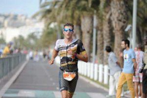 Rodolphe Von Berg sulla Promenade des Anglais durante l'Ironman 70.3 Nice 2018.