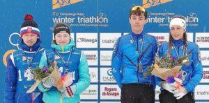 Italia d'oro con Giorgia Rigoni e Simone Avondetto nella 2x2 Junior Mixed Relay dei Mondiali di winter triathlon 2019.