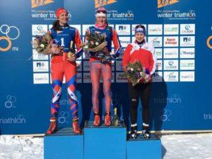 Le Top 3 assolute dei Mondiali di winter triathlon 2019. Da sinistra, la russa Yulia Surikova (2^), la connazionale Daria Rogozina (1^) e l'austriaca Romana Slavinec (3^) - Foto ©FiTri.