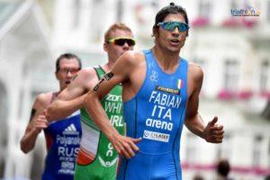 """L'azzurro Alessandro Fabian riparte da Abu Dhabi: """"Vengo da un periodo intenso di lavoro, temo in parte i ritmi di gara ma sono molto curioso ed entusiasta perché ho lavorato bene e sono positivo. Ho voglia di gareggiare e di mettermi alla prova"""" (Foto ITU Media / Janos Schmidt)."""