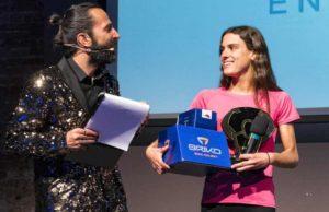 """Costanza Arpinelli si aggiudica il premio """"Giovane dell'Anno"""" (Foto ©FCZ.it Mondo Triathlon / Roberto Del Bianco)."""