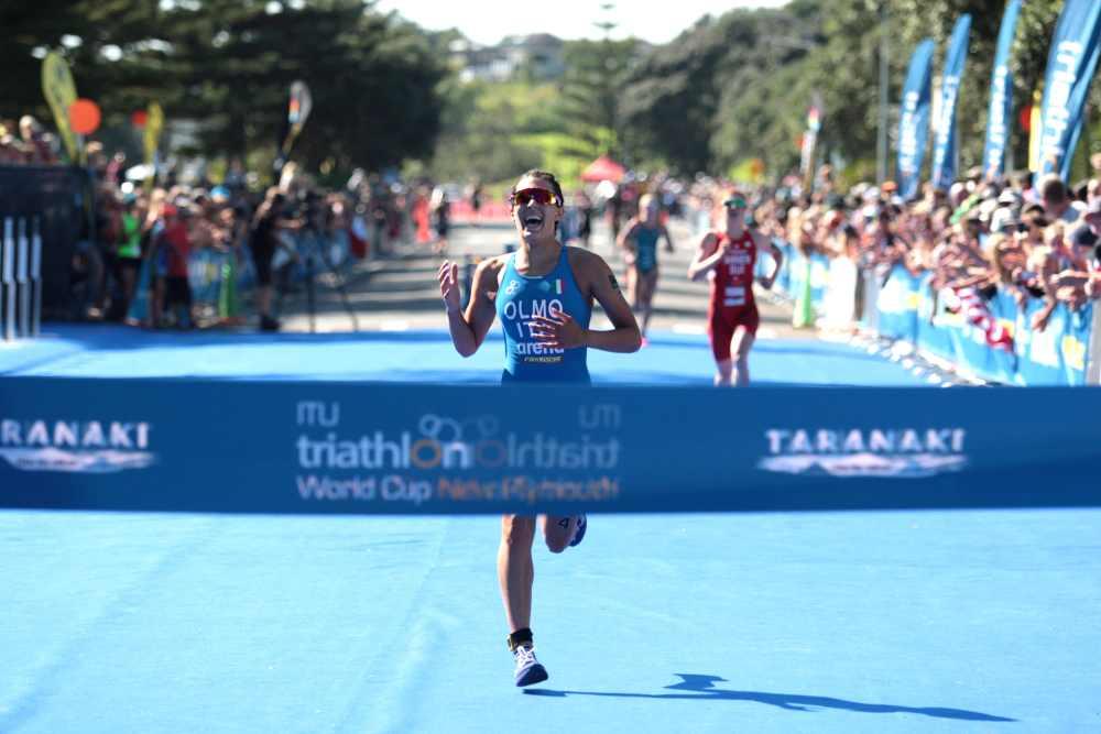 L'azzurra Angelica Olmo vince la terza tappa dell'ITU Triathlon World Cup 2019, a New Plymouth, in Nuova Zelanda (Foto ©ITU Media / Jo Caird).