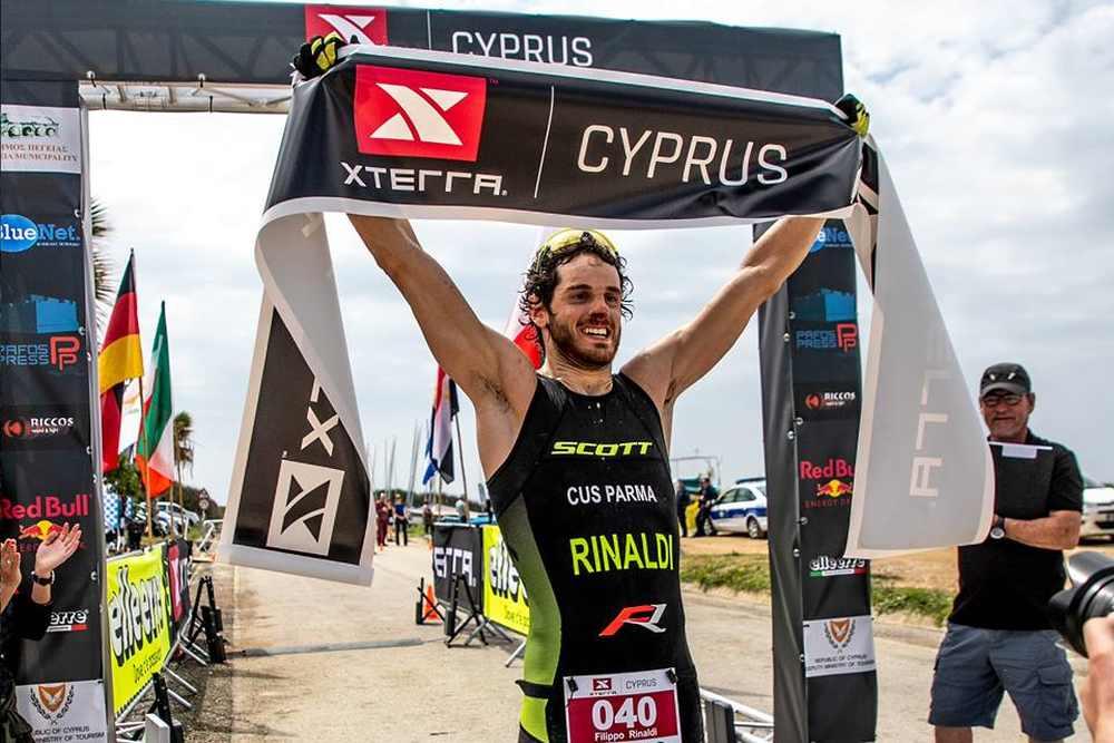 Filippo Rinaldi (CUS Parma) vince l'XTERRA Cyprus 2019. E' la prima vittoria italiana nel circuito internazionale di triathlon off-road.