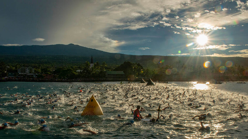 La suggestiva partenza dell'Ironman Hawaii World Championship 2018.