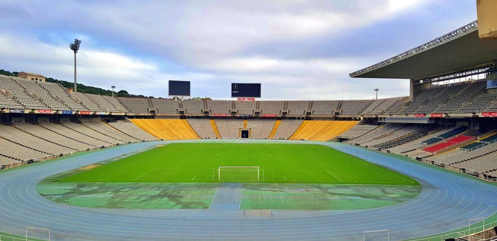 Lo stadio olimpico Lluís Companys di Barcellona, situtato sulla collina del Montjuïc