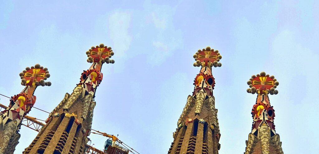Le guglie della stupefacente Sagrada Família di Barcellona