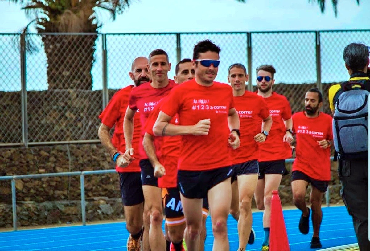 Al Barcelona Triathlon 2019, l'allenamento con Javier Gomez (davanti) e il Daddo (a chiudere!)