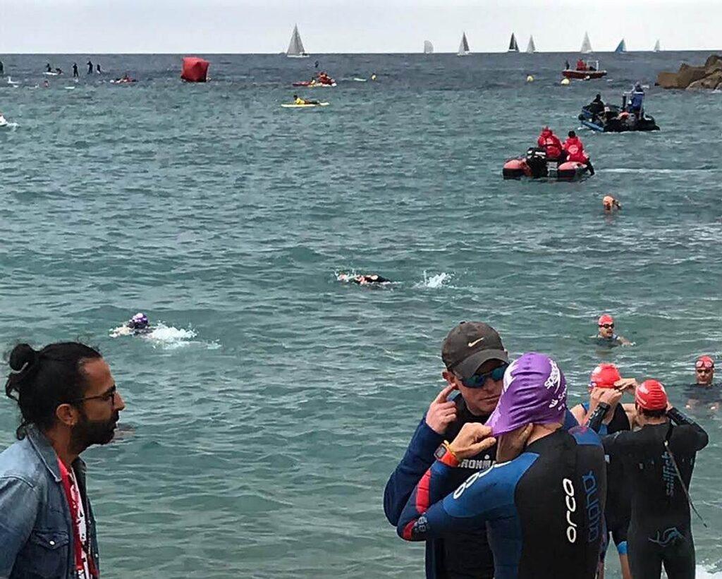 Daddo, Gianna e il suo allenatore prima del via del Barcelona Triathlon 2019
