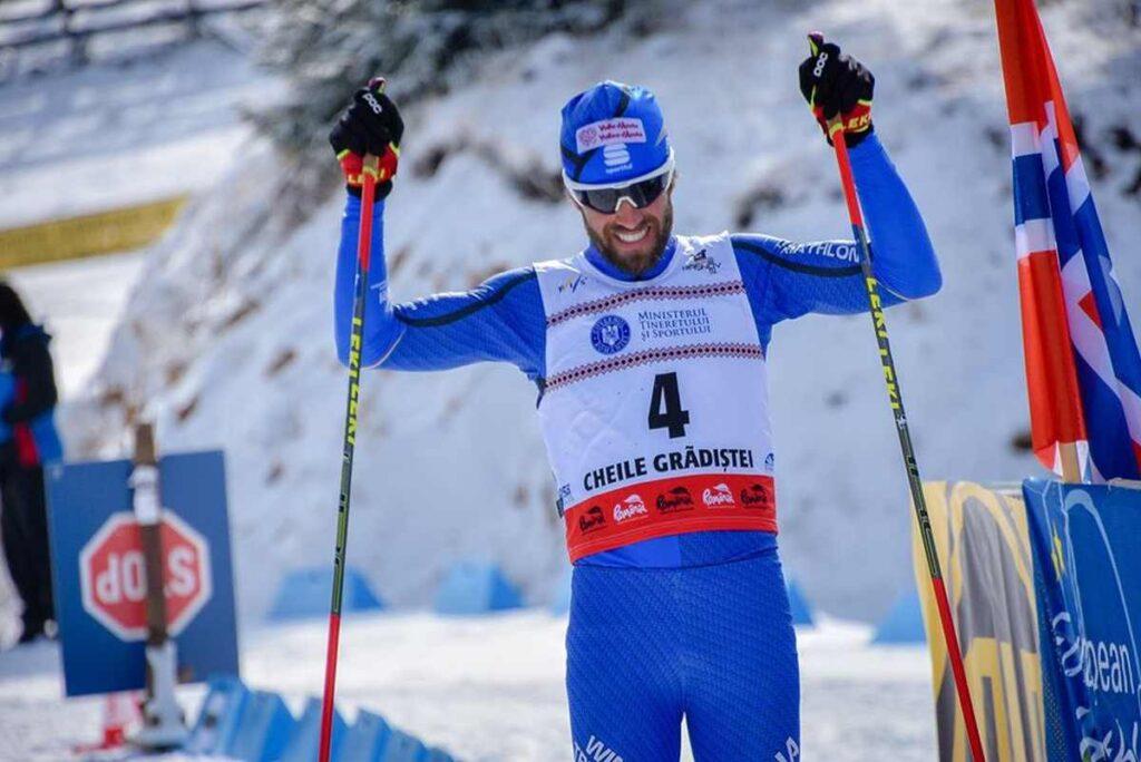 L'azzurro Giuseppe Lamastra vince la medaglia d'argento agli Europei di winter triathlon 2020.