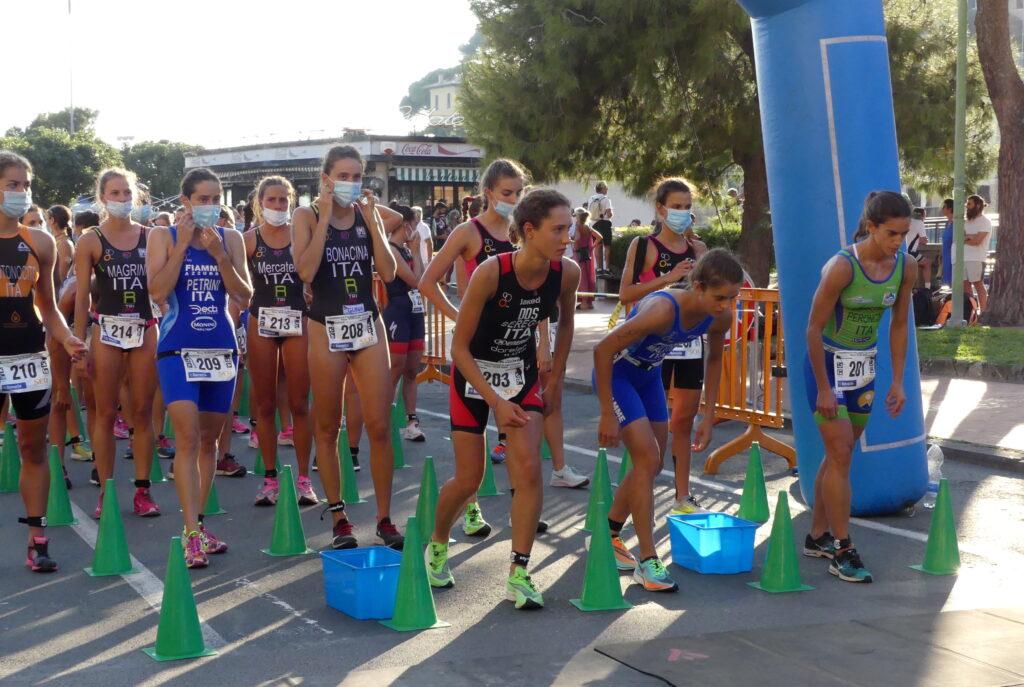 La partenza femminile degli Italiani di Aquathlon 2020 a Recco