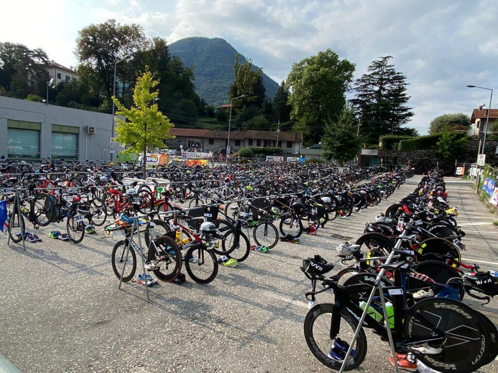 La zona cambio del 25^ Triathlon Internazionale di Mergozzo del 6 settembre 2020 (Photo-Sport.it)