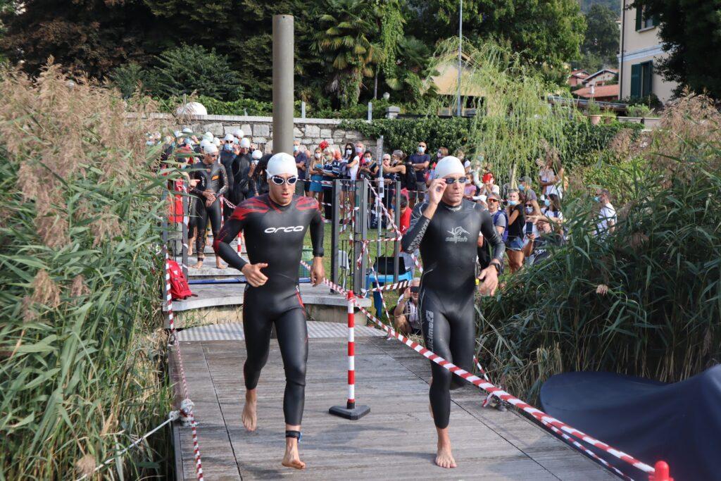 La partenza rolling start del 25° Triathlon Internazionale di Mergozzo del 6 settembre 2020 (Photo-Sport.it)