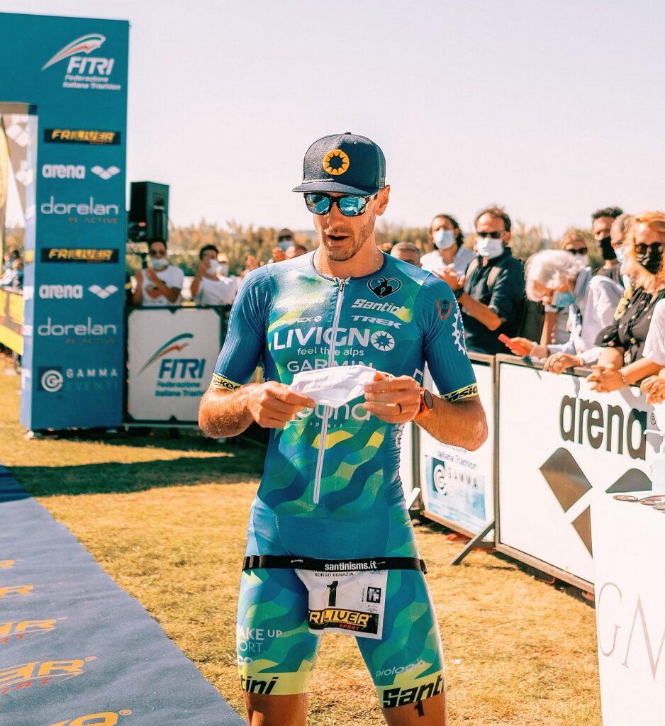 Giulio Molinari trionfa ai Campionati Italiani di Triathlon Medio 2020 al Borgo Egnazia Tri