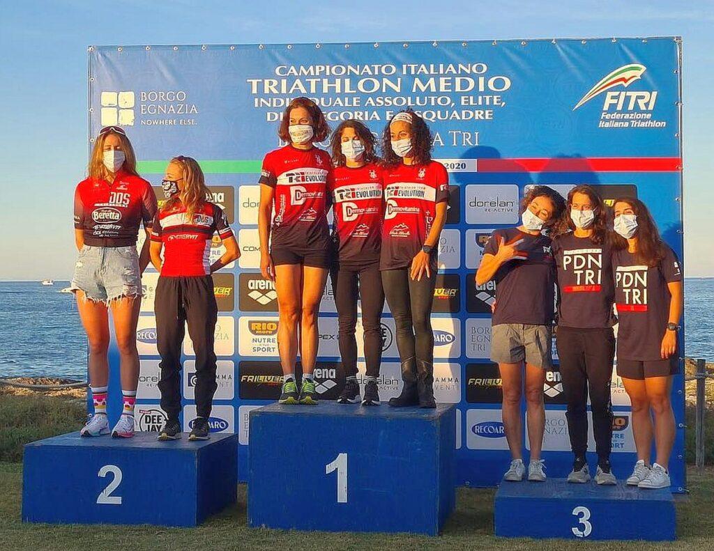Campionati Italiani Triathlon Medio, Borgo Egnazia Half Tri, 10 ottobre 2020, podio squadre femminili, vince TRI Evolution