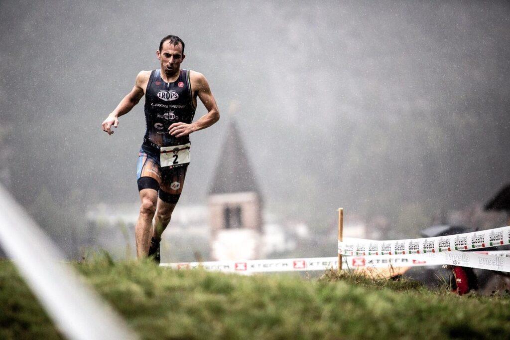 Lo spagnolo Ruben Ruzafa trionfa il 3 ottobre 2020 nella prima edizione dell'XTERRA Molveno Short Track