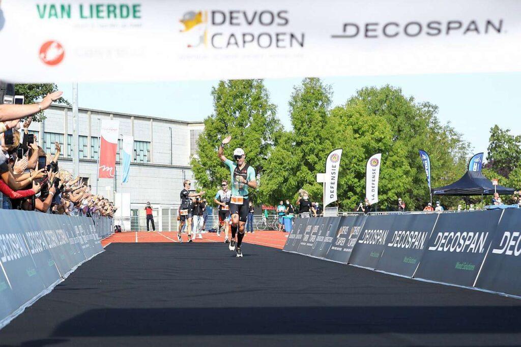 Frederik Van Lierde vince l'ultima sua gara da Pro, il 13 settembre 2020, il triathlon half distance di Menen, nel suo Belgio