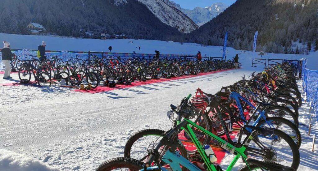 La zona cambio del Gran Paradiso Winter Triathlon del 31 gennaio 2021