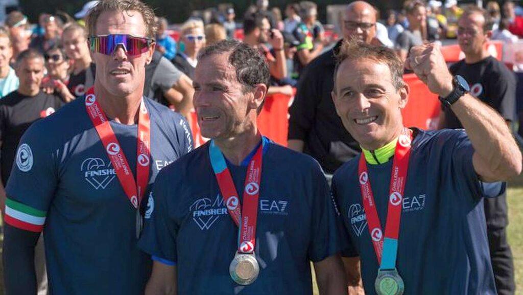Al Challenge Forte Village 2017, la staffetta dei campioni con Mario Cipollini (90K bici), Davide Cassani (21K corsa) e Max Lelli (1.9K nuoto)