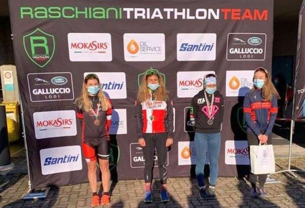 Il podio femminile del Duathlon di Pavia del 14 febbraio 2021, vince Chiara Cavalli (CUS Parma)