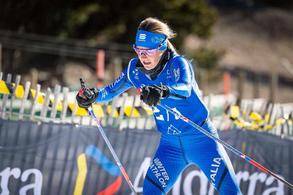 Sandra Mairhofer in azione nella staffetta mista dei Mondiali di Winter Triathlon 2021 di Andorra