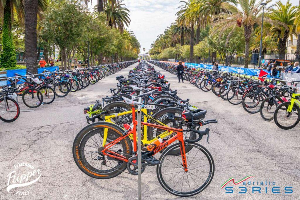 La zona cambio dei Campionati Italiani di Duathlon Sprint 2021 di San Benedetto del Tronto