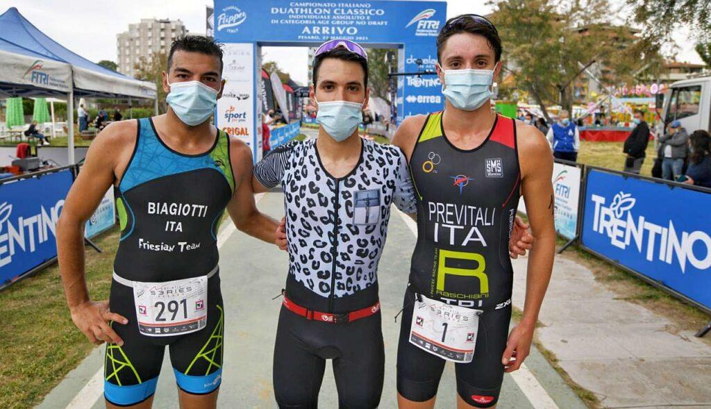Triathlon Città di Pesaro 2021: vince Michelangelo Parmigiani davanti a Manuel Biagiotti e Thomas Previtali
