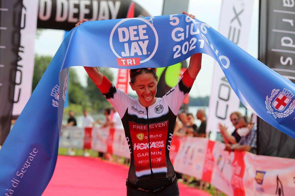 Ilaria Zane vince il Deejay TRI triathlon olimpico del 5 giugno 2021 (Foto: Marco Bardella)