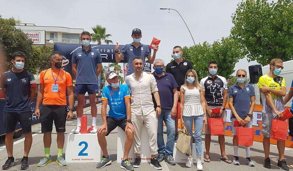 Triathlon Olimpico Alba Adriatica, domenica 20 giugno 2021: il podio maschile, vince Michele Sarzilla