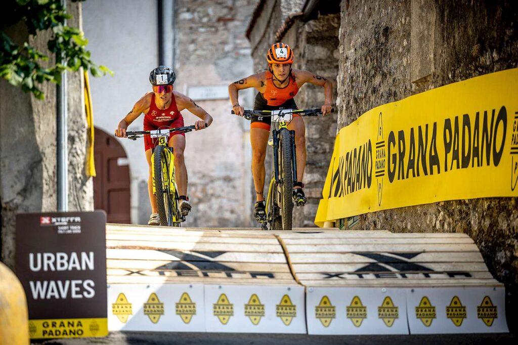 Marta Menditto in azione all'XTERRA Short Track Lake Garda 2021 (Foto: Carel Du Plessis)