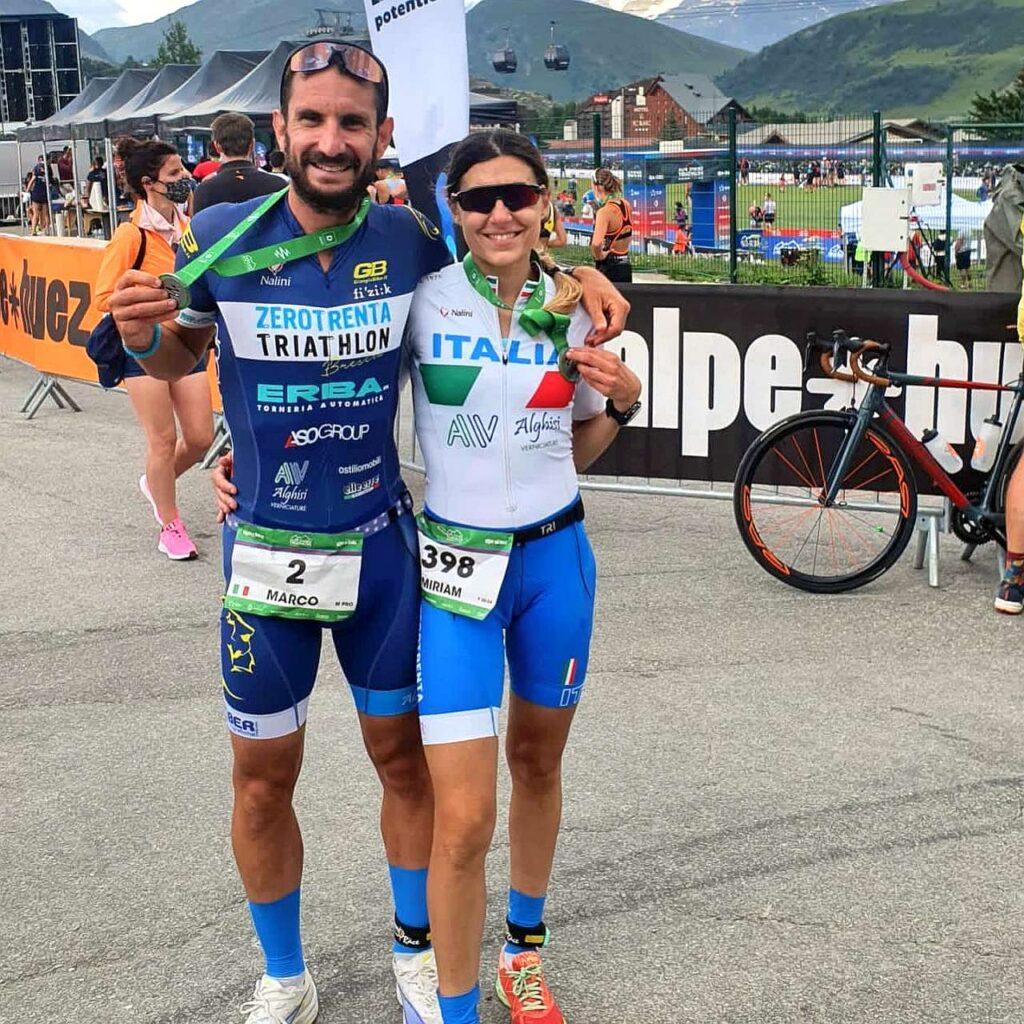 Marco Corti e Miriam Beghi sorridenti al termine dell'Alpe d'Huez Duathlon 2021