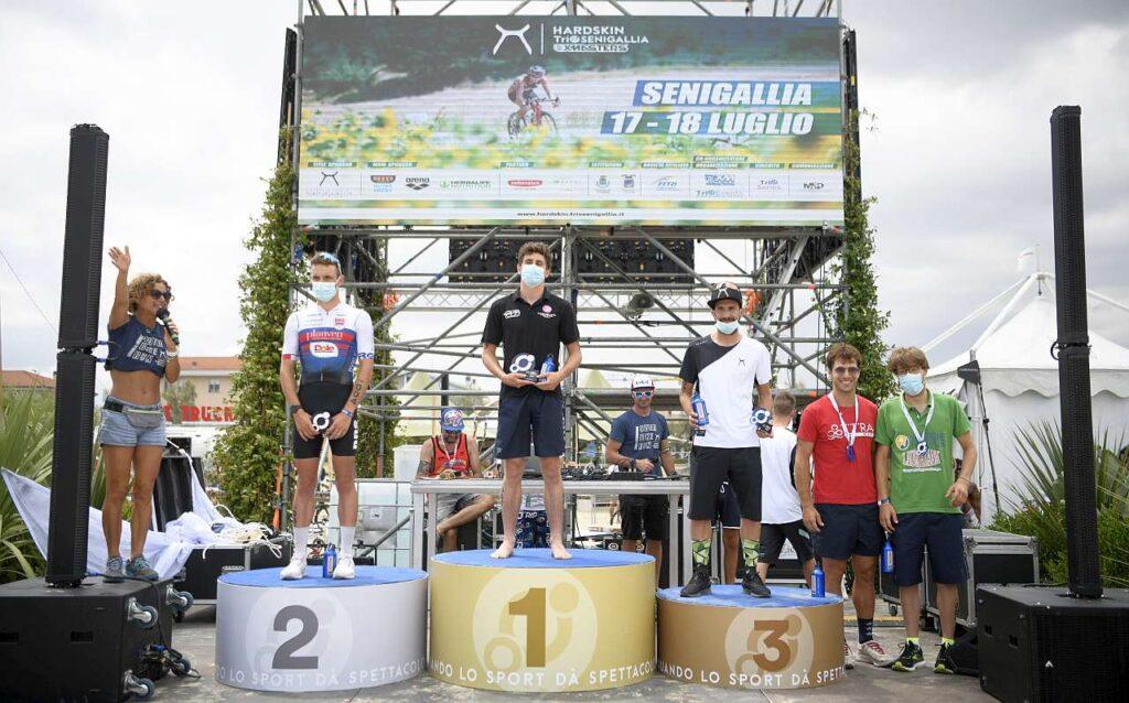Hardskin TriO Senigallia 2021, il podio del duathlon sprint maschile di domenica 18 luglio (Foto: Matteo Oltrabella)