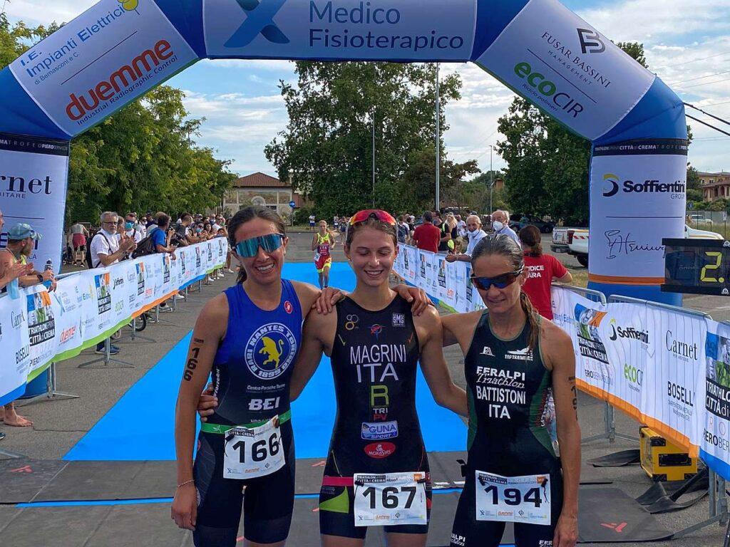 Il podio femminile del 1° Triathlon Sprint Città di Crema, Trofeo Piero Bernasconi: vince Chiara Magrini
