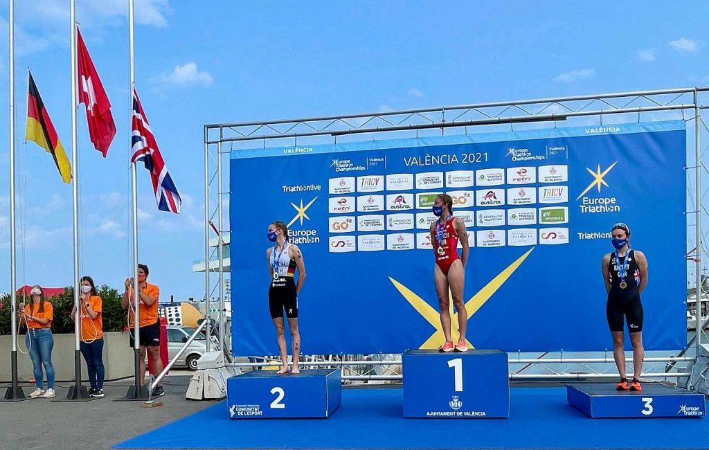 Il podio Elite donne degli Europei di triathlon olimpico 2021 a Valencia (Foto: Dani Fiori)