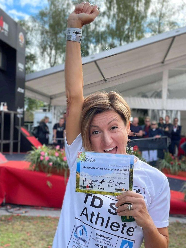 Slot per Kona conquistata dopo aver vinto la categoria all'Ironman Austria 2021 a Klagenfurt: la gioia di Roberta Liguori