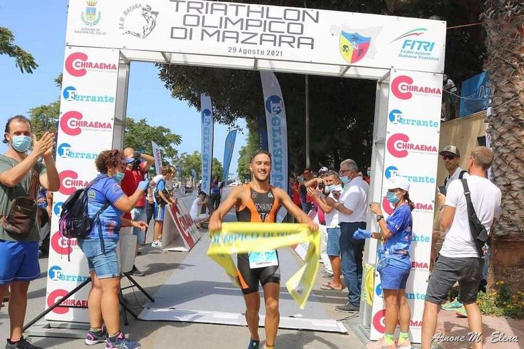 Enrico Schiavino vince domenica 29 agosto 2021 il Triathlon Olimpico di Mazara del Vallo 6.0