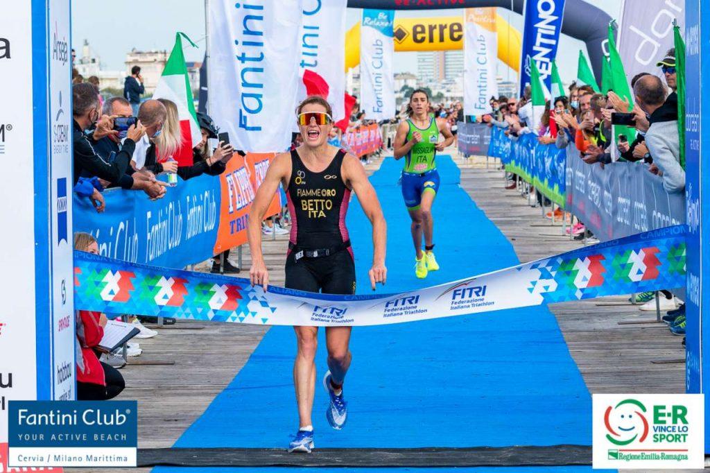 Alice Betto è la nuova campionessa italiana 2021 di triathlon sprint (Foto: Roberto Del Bianco / Flipper Triathlon)